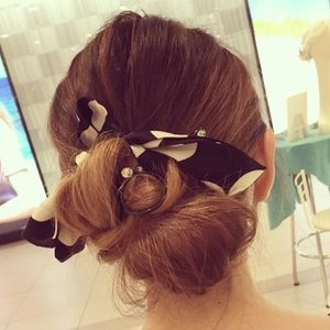 Black and White Silk Dot Pony Braider