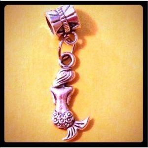 Jewelry - 🦄5 for $35🦄 Mermaid Charm