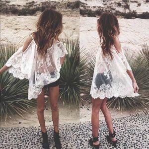 April Spirit Other - SALE🎉HP🎉lace cold shoulder dress
