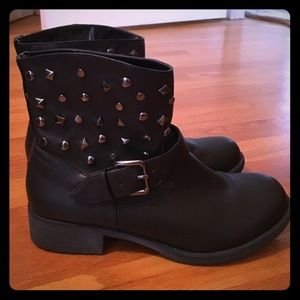 Diba Shoes - Black Silver Studded Ankle Boots