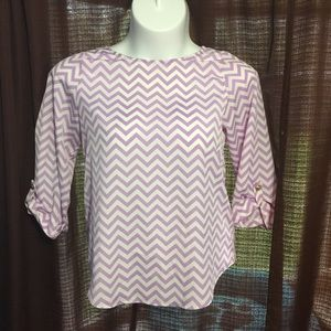 Everly lightweight chevron blouse M