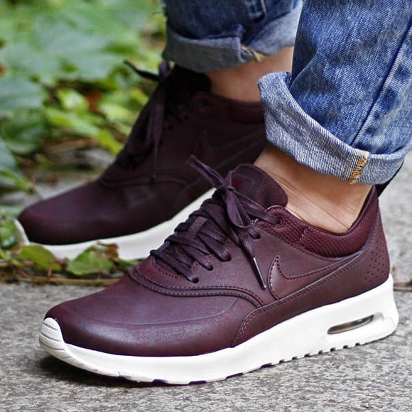 nike wmns air max thea premium mahogany executive desk