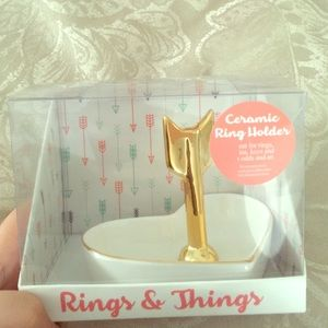 RINGS AND THINGS JEWELRY DISH NEW IN BOX