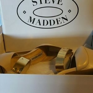 Steve Madden Shoes - Platform  sandals