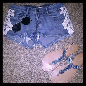 Tilly's Pants - Lace crochet distressed jean shorts!