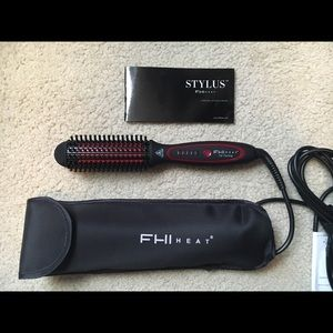 Accessories - FHIheat styling brush *new, never used