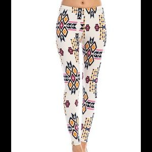 Pants - Ikat Pattern Print Leggings