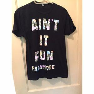 Tops - Paramore Tshirt! 💕