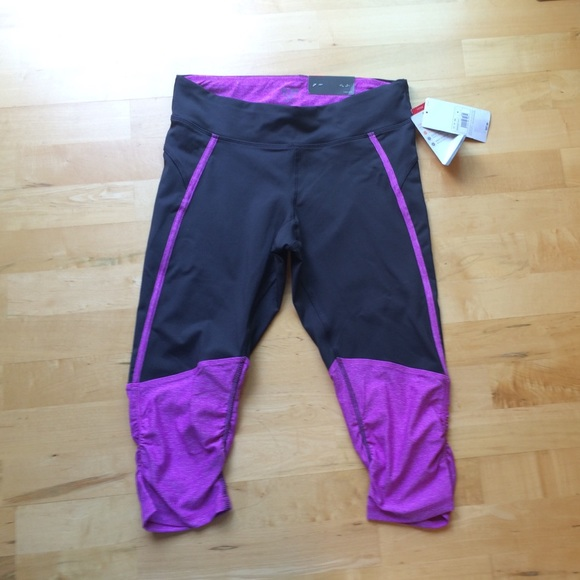 80e57e5772d2 Nwt Champion Workout Capri Pants Gray Purple Med