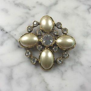 Vintage pin- a true gem