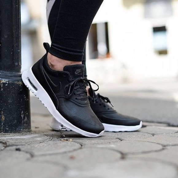 922d30af8 Women s Nike Air Max Thea Leather
