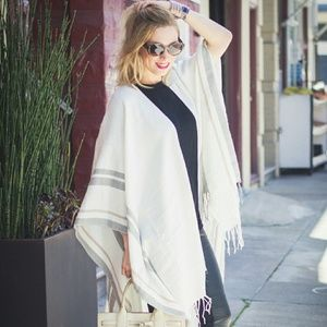 Tobi Other - Fringed Pull Over Cardigan