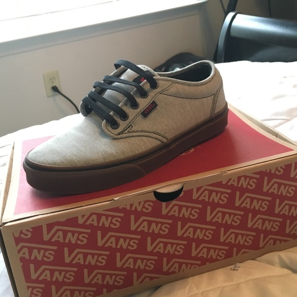 Vans - NEW Vans shoes (SIZE: 7 US men) from Satoyrie's closet on ...