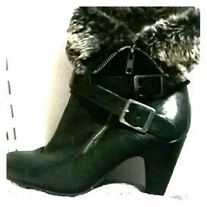 Merona black fur boots