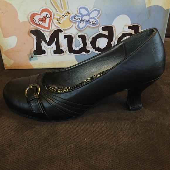 Mudd - Black Kitten Heel Shoes size 7 from Jacqueline&39s closet on