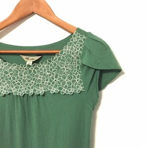 Anthropologie Tops - Anthro Green Floral Punch-out Tee by Ric Rac