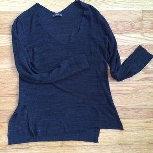 Zara knit light weight v/scoop-neck  sweater