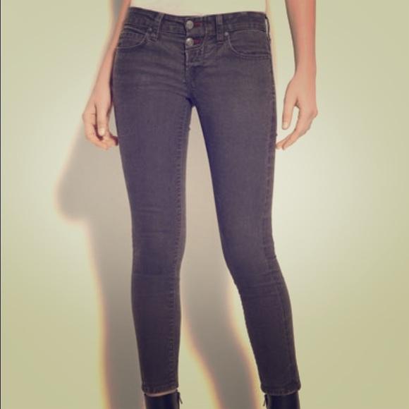 92% off Vince Denim - Last chance! Vince Luce crop skinny jeans