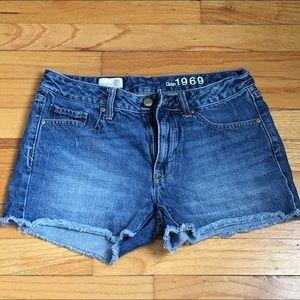 Gap Slim cutoff shorts