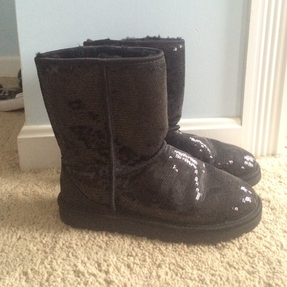 black ugg boots size 8