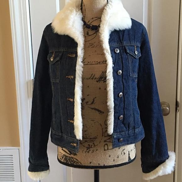f5aefb79ba31 Arizona Jean Company Jackets   Blazers - Arizona Faux Fur Jean Jacket