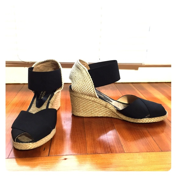 a43716bf6 Andre Assous Shoes | Black White Espadrilles Wedge 6 65 | Poshmark