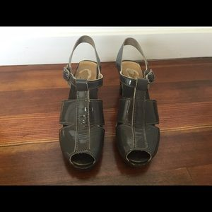No.6 Gray Patent Leather Clog Sandals