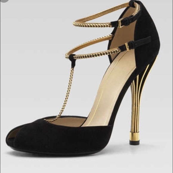 da517422d0d NWT Gucci Black Suede Ophelie Chain T-Strap Sandal