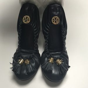SOLD Tory burch Eddie flat with tassels - navy