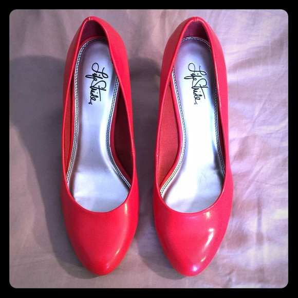8797bc924c Life Stride Shoes | Red Heels Size 11m | Poshmark