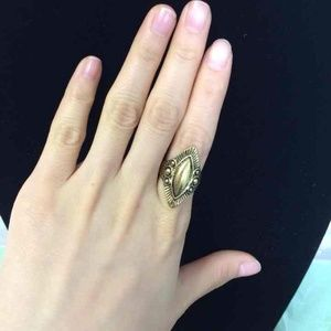 Jewelry - Vintage Egypt style golden ring