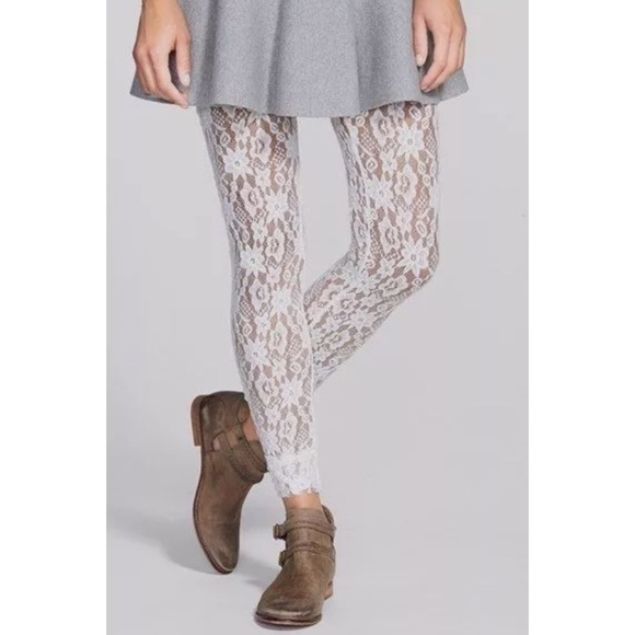 926814db095 Free People Pants - Free People pucker lace ivory lace leggings xs