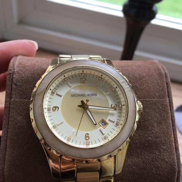 a45550c53848 MICHAEL KORS gold plated watch (MK 5260). M 572b3b005c12f8ac28013a72