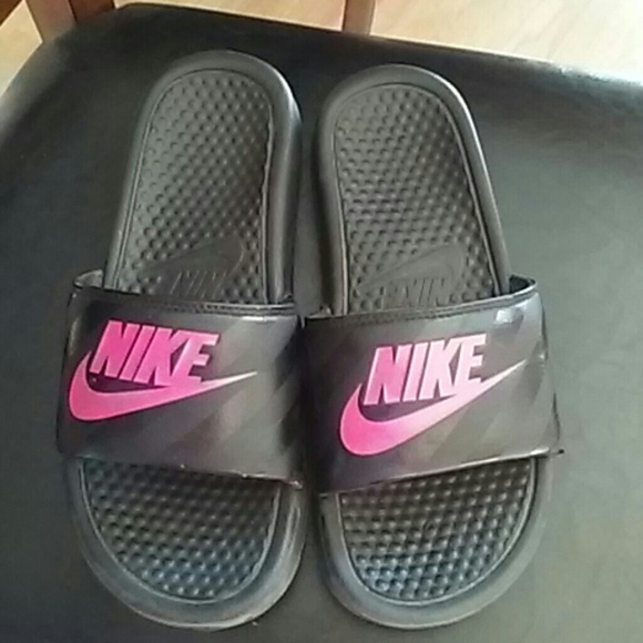 online store 7a749 87743 Nike slippers size 7