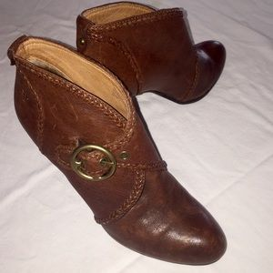 Woman's Frye Ankle boots