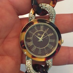Accessories - Price dropped ⬇️ ⬇️ New brown and gold watch