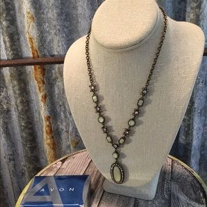 Avon Jewelry - 💥Sale💥Vintage Avon  2004 Opalescent Necklace