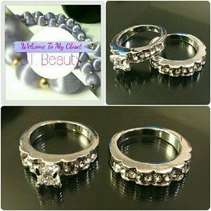 Jewelry - *NEW* BEAUTIFUL Silver Tone Diamond Crystal Rings
