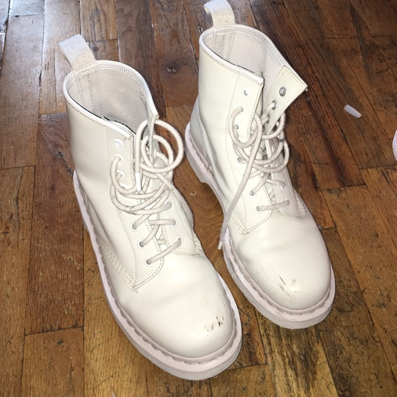 Dr. Martens Shoes   All White Doc