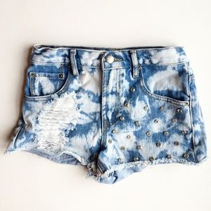 High waisted, studded & bleached jean shorts