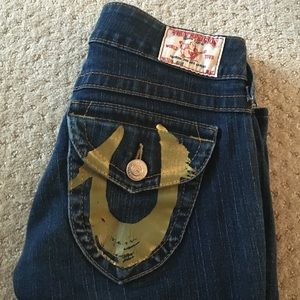 True Religion Jeans! size 25! Painted gold Pocket!