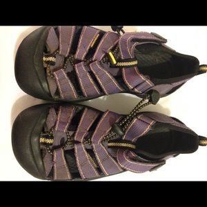 Keen purple water shoes 2 youth girl