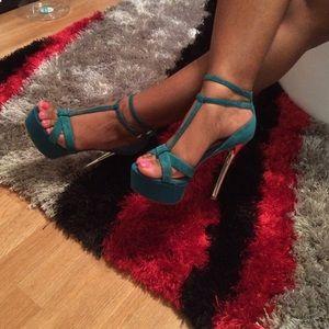 Turquoise heels💋