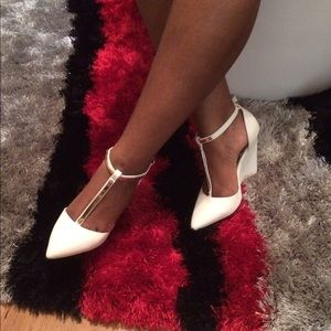 Shoes - Sexy white sandals💋