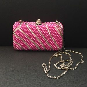 Fuchsialicious Clutch bag
