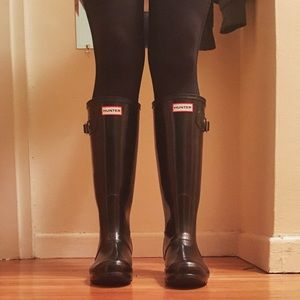 Hunter Original Tall Gloss Wellie Boots + Liners