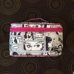 🎬 Fashion makeup bag with goodies!