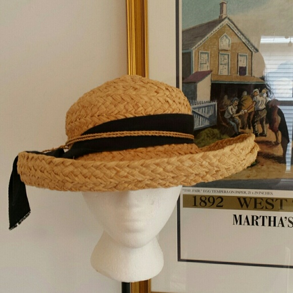 4543feb3 Helen Kaminski Accessories - Helen Kaminski straw hat with ribbon & raffia