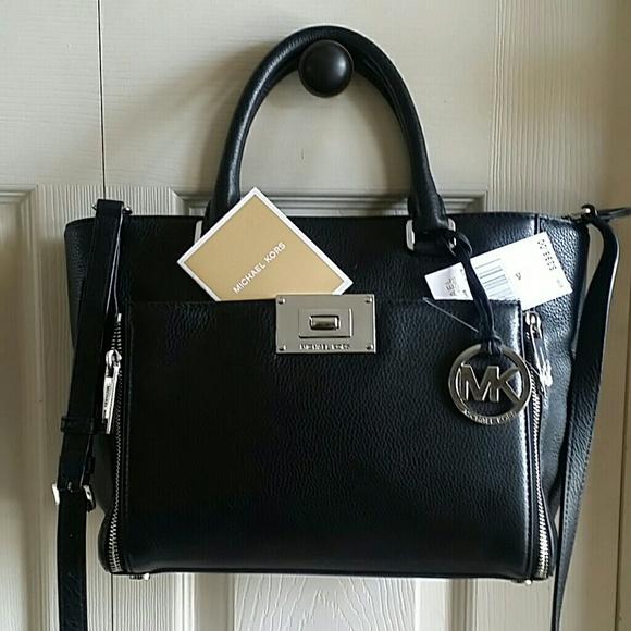 e43a51b2eb788 On sale today...Authentic Michael Kors Handbag. M 5728e2a1291a35243000652a