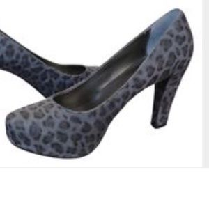 me too Shoes - Platform Pumps